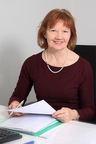 Anita Zirngibl, Notarangestellte/Ausfertigung