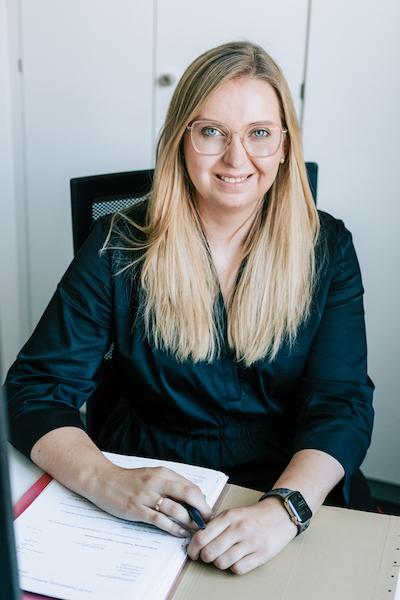 Katharina Fellner, Auszubildende