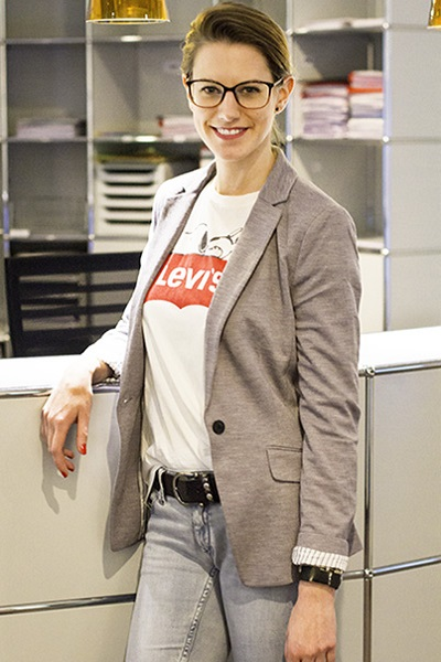 Sandra Kindermann, Front Office