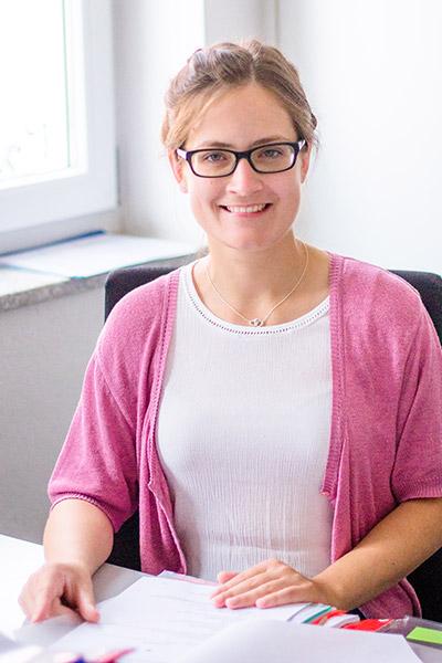 Verena Seubert, Auszubildende